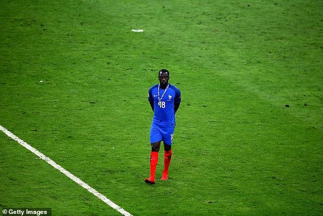 西索科随法国参加了2016年欧洲杯